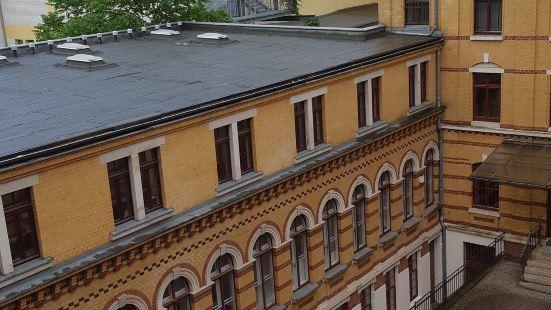 袞尼莫佩拉旅館