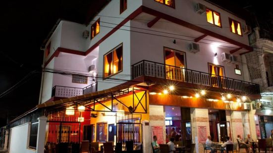 Sundance Inn & Saloon