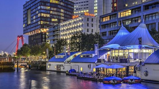 鹿特丹水上酒店