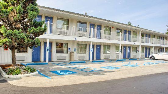 Motel 6-Seattle, WA - South