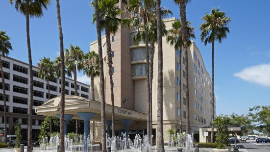 Courtyard by Marriott Los Angeles LAX / Century Boulevard
