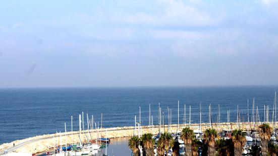 Brown Seaside by Brown Hotels