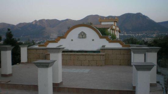 羅卡迪蒙雷亞萊酒店