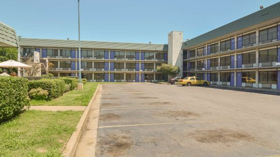 Motel 6-Little Rock, AR - West