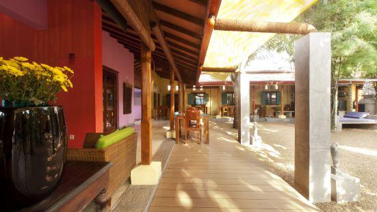 "Dickman Resort ""The Boutique Hotel"""