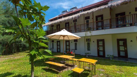 The Shoreline Stay Villa