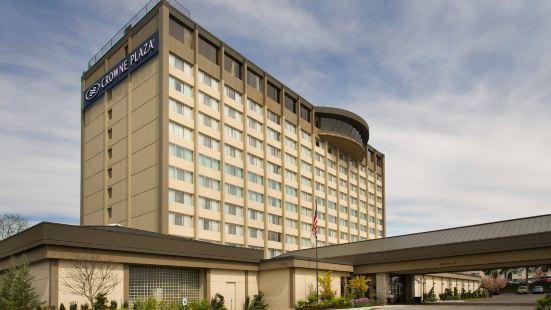 Crowne Plaza Seattle Airport, an IHG Hotel