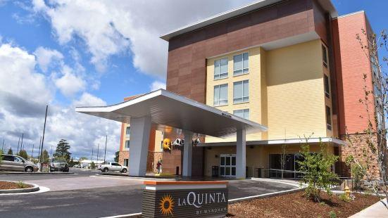 La Quinta Inn & Suites by Wyndham Flagstaff East I-40