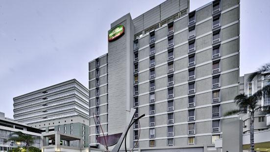 聖胡安米拉馬爾萬怡酒店