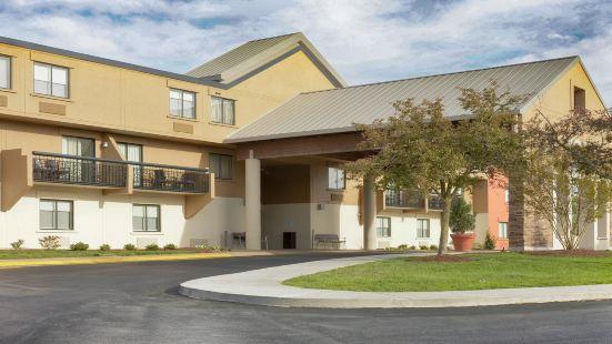 Holiday Inn Express Nashville Airport, an IHG Hotel