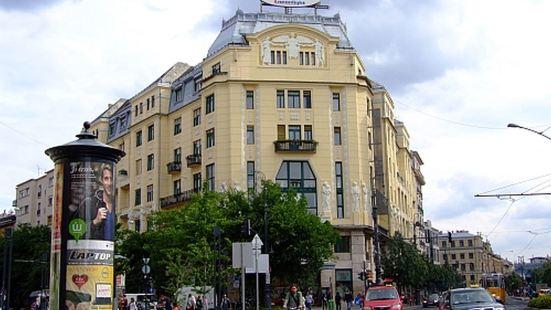 阿斯託利亞鑽石公寓