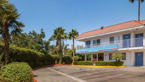 Motel 6-Sepulveda, CA - Los Angeles - Van Nuys - North Hills