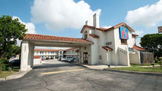 德克薩斯州聖安東尼奧 6 號汽車旅館 - 温克雷斯特酒店