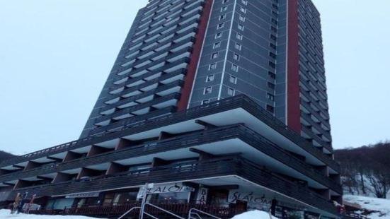 Appartement Besse-et-Saint-Anastaise-Super Besse, 1 pièce, 4 Personnes - FR-1-395-1
