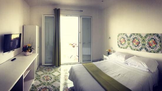 皮那安堤科弗朗西斯查洛別墅酒店