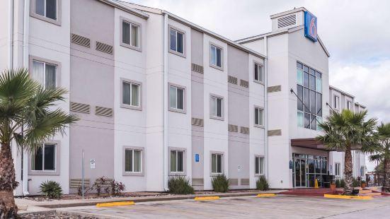 Motel 6-Eagle Pass, TX - Lakeside
