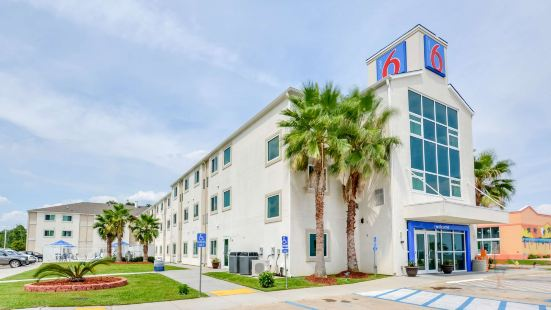 Motel 6-Biloxi, MS - Beach
