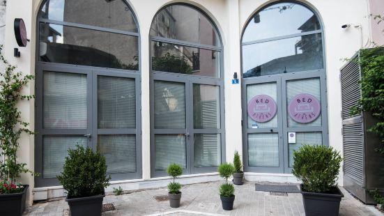 雅典床酒店