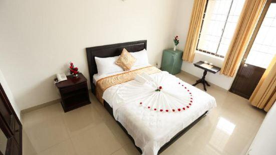 Queen Hotel Nha Trang