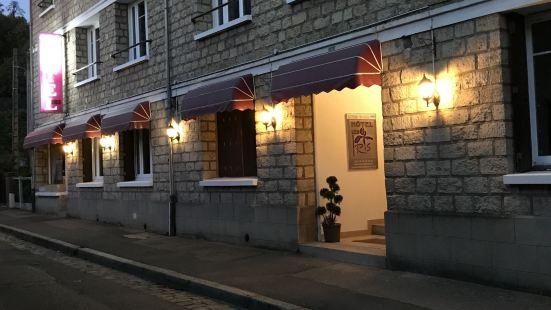 伊里斯酒店