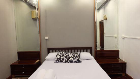 Manii Hostel Asoke