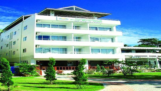 甲米河酒店