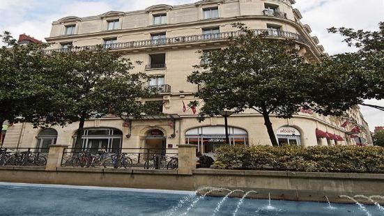 南特中心格蘭德美居酒店