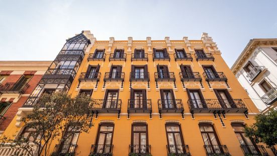 Plaza Mayor Suites & Apartments