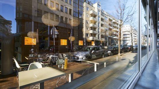 柏林米特格林姆斯酒店
