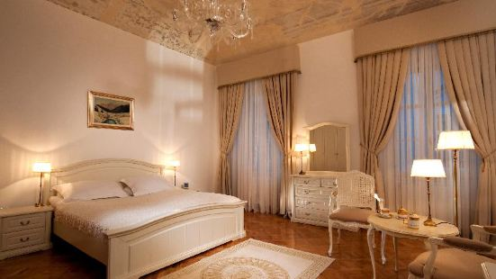 古典皇宮温泉酒店