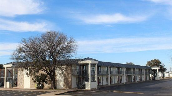 Red Roof Inn & Suites San Angelo