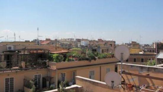 羅馬陽光假日家庭旅館
