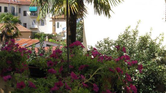 阿卡薩帝麗莉旅館