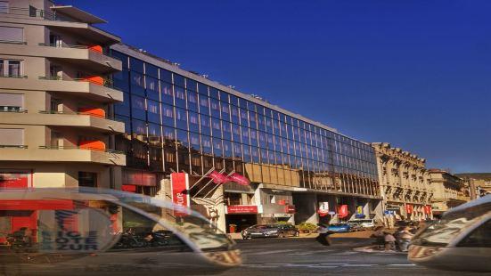 尼斯城中心聖母院美居酒店