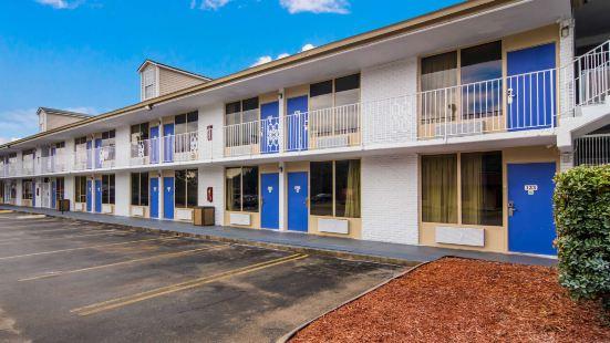 Motel 6 Lagrange, GA