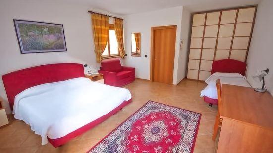 拉瓦爾酒店
