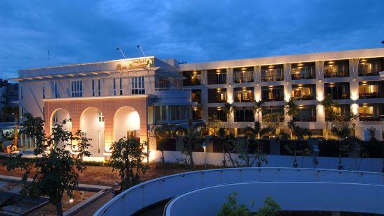 班素旺塔威酒店