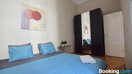 標準公寓 Hi5 酒店 - 穆澤烏姆 5 號