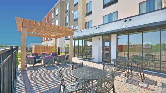 Holiday Inn Express & Suites Oklahoma City Mid - Arpt Area, an Ihg Hotel