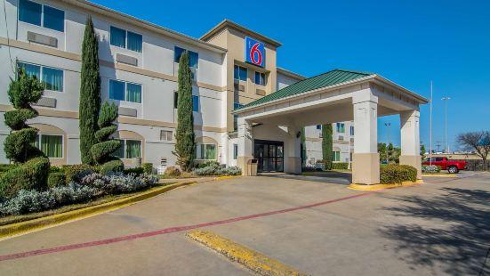 Motel 6-Dallas, TX - North - Richardson