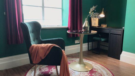 Vivian XVV Apartment