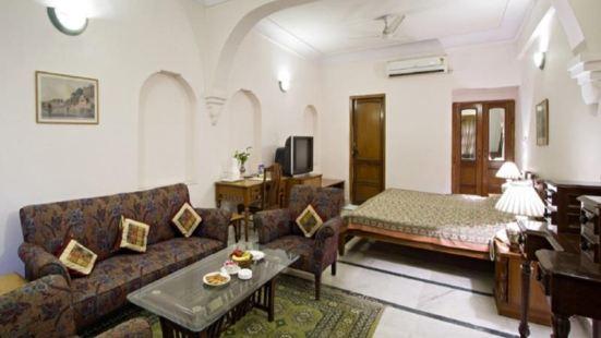 Chirmi Palace Hotel