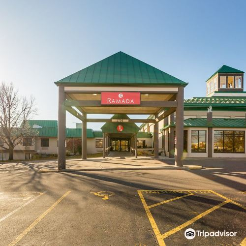 Ramada Hotel & Conference Center by Wyndham Plymouth