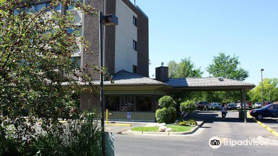 裏維薩吉比靈斯酒店